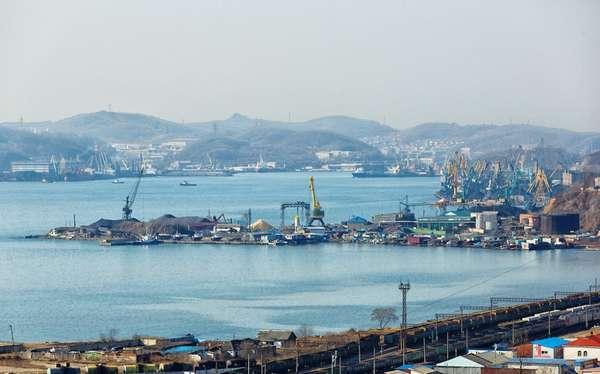Порт Находка. Оттуда наши уголь и металлы уходят на экспорт: vas_pop