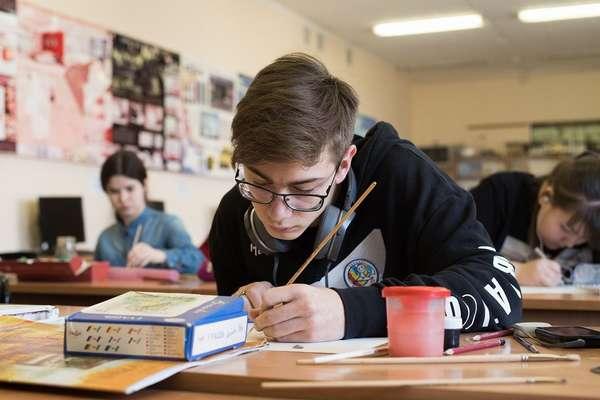 Студенты художественных вузов обязательно изучают живопись