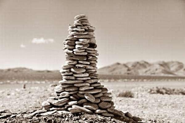 ступа из камней