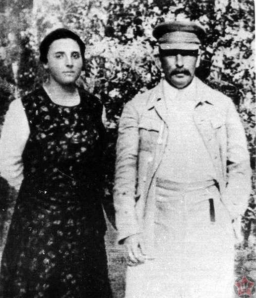 Надежда Аллилуева и Иосиф Сталин