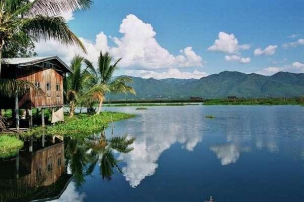 Озеро в Бирме