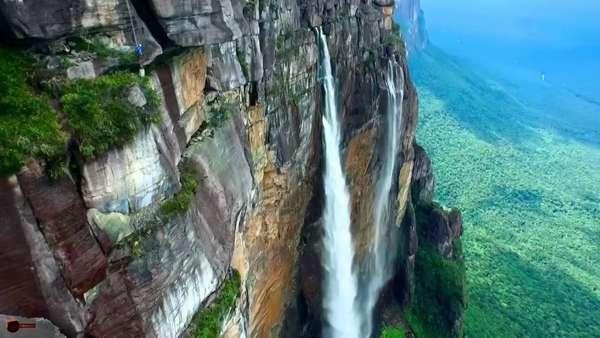 Самый высокий в мире водопад Анхель в Венесуэле съемка с дрона