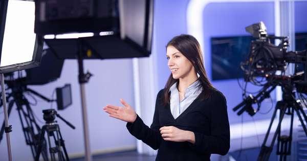 Подробный обзор профессии телеведущая (+куда поступать)