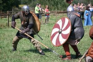 Членство в историческом клубе помогут прикоснуться к работе раньше остальных