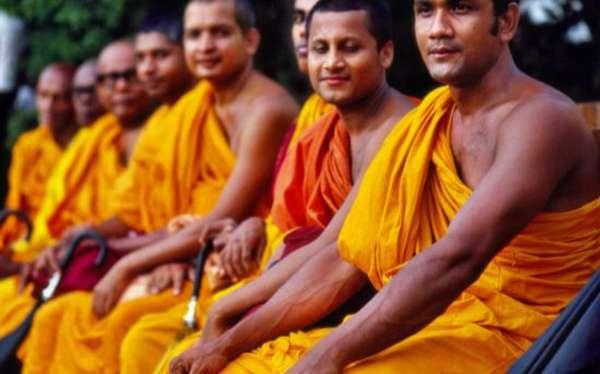 послушники Шри-Ланки