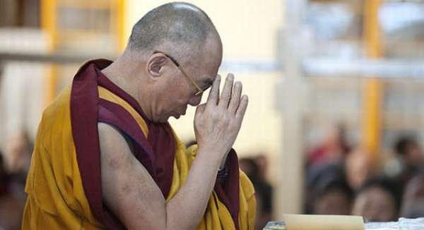 ЛАма в молитве