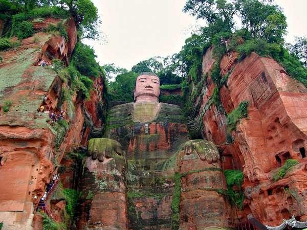 Памятники Китая - Статуя Будды в Лэшане   Интернет журнал - туризм и ...
