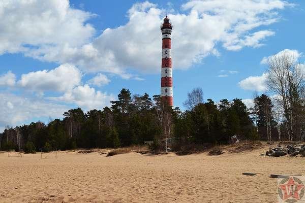 Памятник Осиновецкий маяк на Дороге жизни