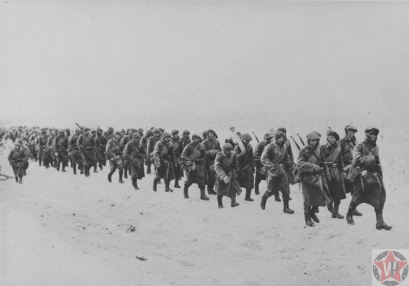 Колонна румынской горнострелковой бригады в направлении Севастополя, 1941 год