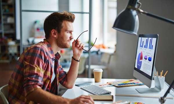 Верстальщики могут работать в веб-индустрии или обычных типографиях, перечень обязанностей и решаемых задач будет разным