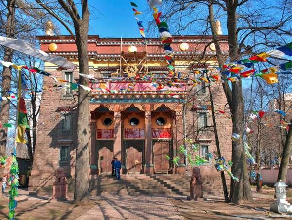 Монастырь традиции Белуг