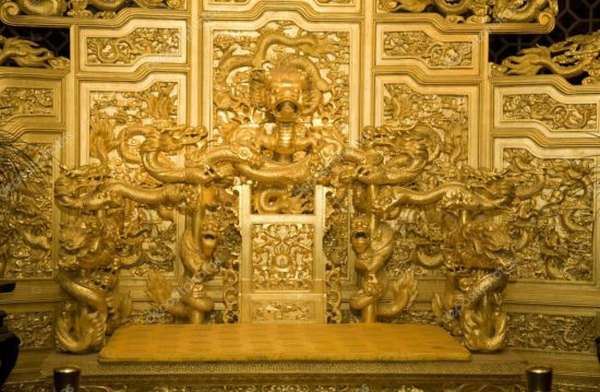 трон дракона в Китае