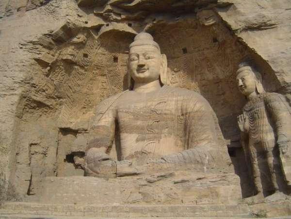 скульптура в пещере