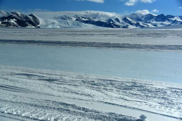 10D Drake Icefall With The Union Glacier Runway From The ALE Van ...