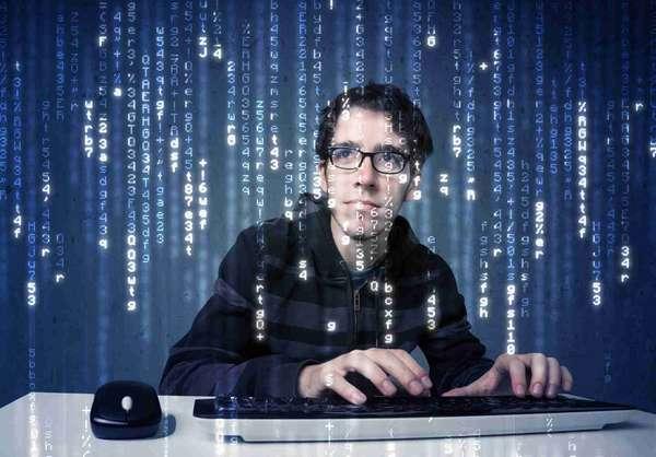 Специалистов в области информационных систем и технологий часто называют ит- или IT-специалистами