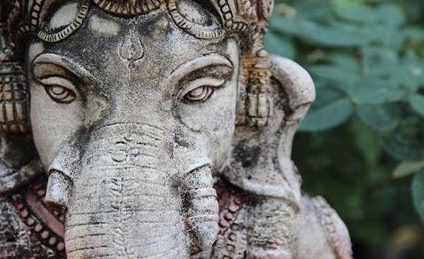 слон Будда
