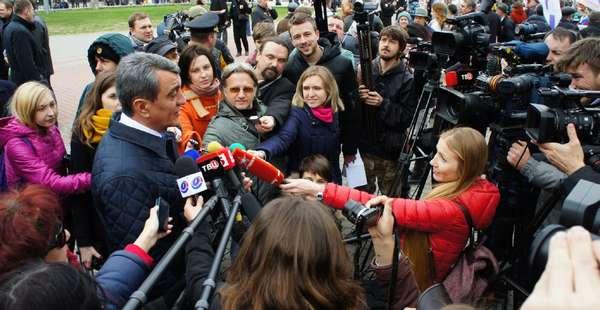 Журналисты берут интервью