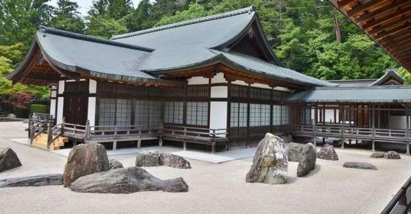 Сад камней в Японии какая идея заложена в создание композиции?