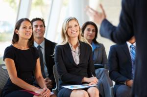 Для работы в тренинговых компаниях требуется опыт по обучению