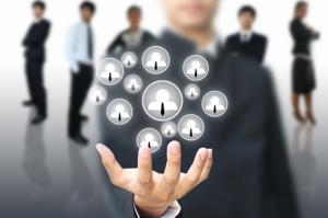 Чем занимаются специалисты по управлению персоналом?