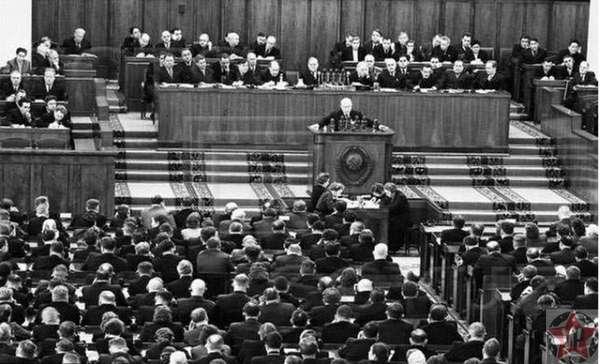 Доклад Хрущева. Развенчание культа личности Сталина