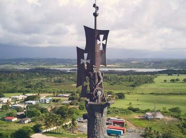 Скульптура Зураба Церетели в Пуэрто-Рико устояла против «Марии»