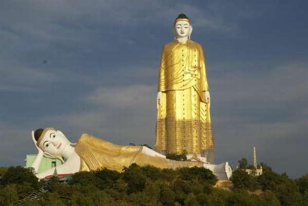 статуя будды в Мьянме