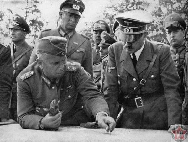 Адольф Гитлер и Вальтер фон Рейхенау
