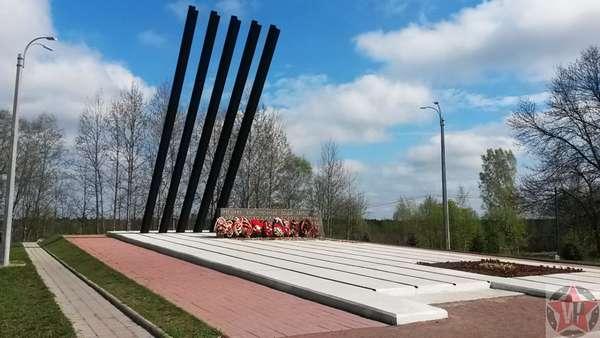 Памятник Катюша на Дороге жизни