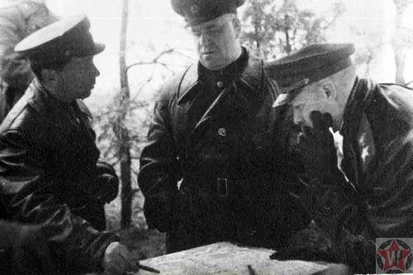 Рокоссовский и Жуков перед операцией Багратион