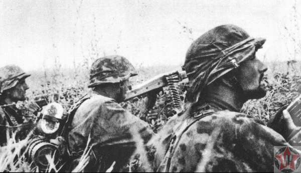 Советские пулеметчики в окопе во время операции «Цитадель»