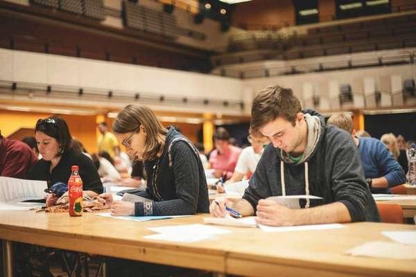 В каком виде проводятся вступительные экзамены
