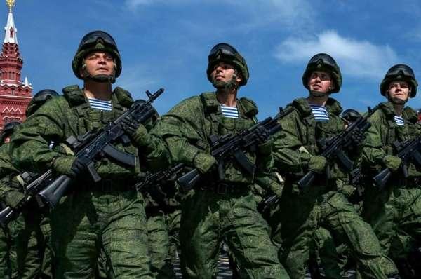 Военные не только являются защитниками, но и вполне серьезной профессией, которую можно получить и довольно неплохо на этом зарабатывать