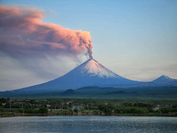 Оранжевый» код опасности вулкана Ключевская сопка - МЕТЕОВЕСТИ от ФОБОС