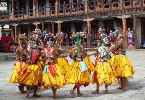 танцы в Бутане