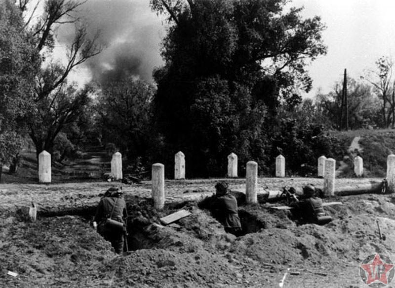 Атака солдат Вермахта, Брестская крепость 1941 год