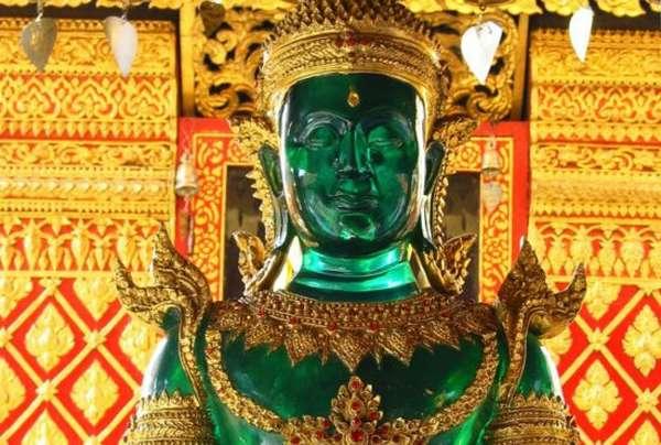 фигура Будды из жадеита