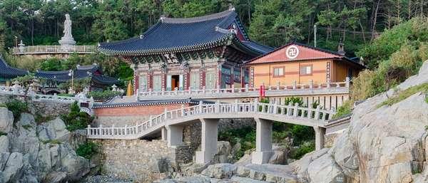 Буддийские храмы в Пусане какие святыни стоит посетить